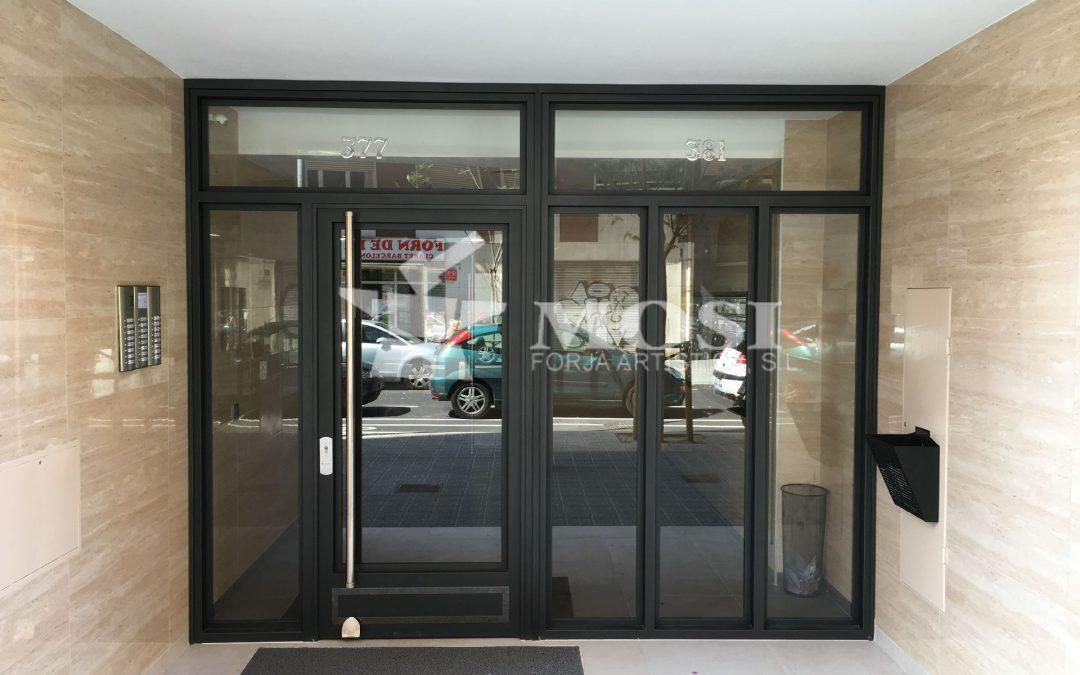 Puertas de forja automáticas para comunidades